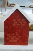 Edna's-red-abode